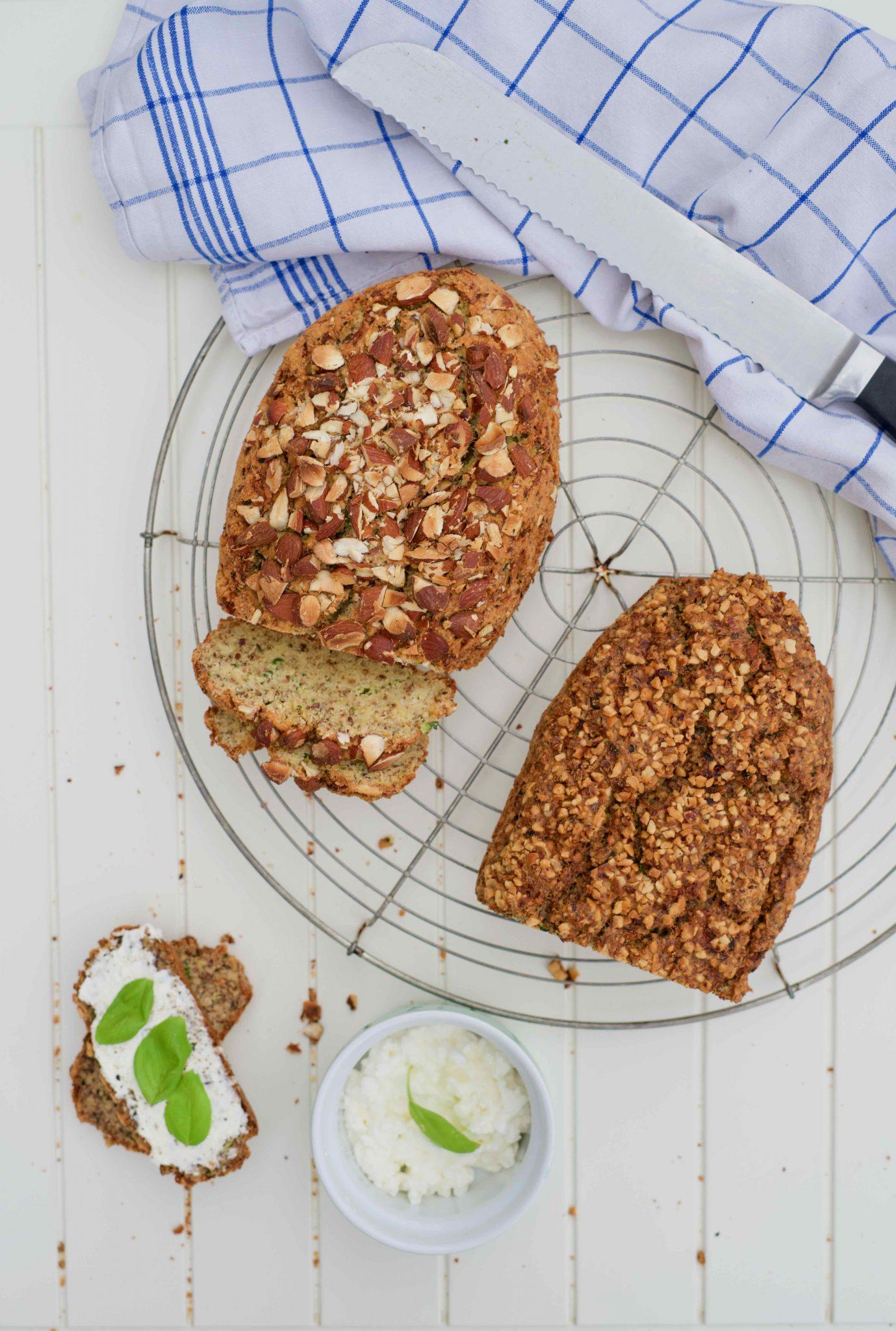 Low Carb Zucchini-Brot - Alltagsrezepte für den gesunden Start ins neue Jahr