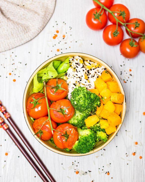 Julia von Plantyhealthyfood.com mit Ihren Buddha Bowls