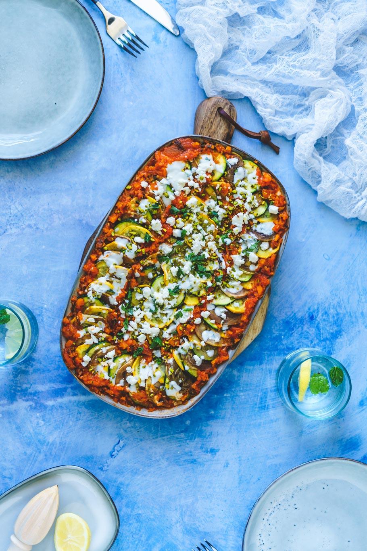 Gegrillte Zucchini und Aubergine mit Tomatensugo