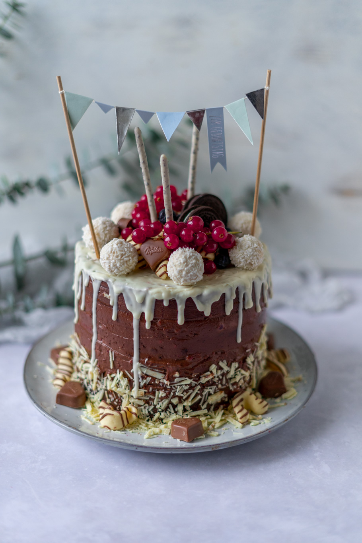Nutella-Himbeer-Drip Cake