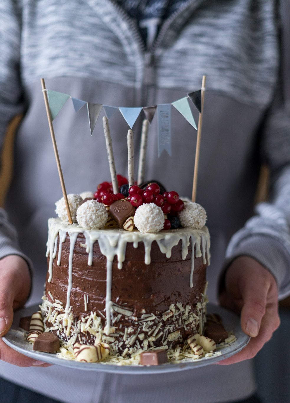 Nutella-Himbeer-Drip Cake