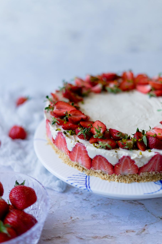 Bolacha Maria-Erdbeer-Cheesecake mit weißer Schokolade & Zitrone